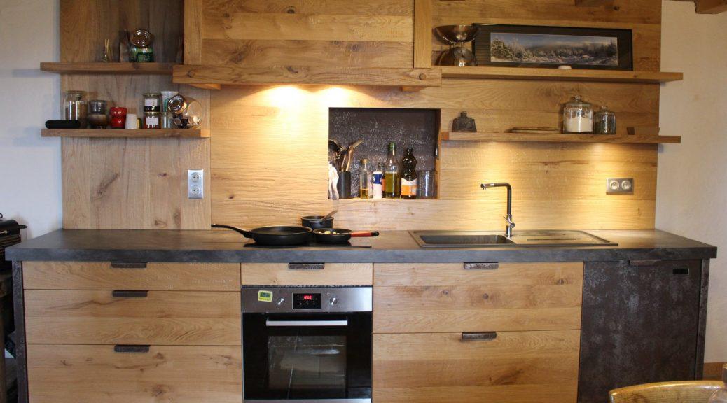 Cuisine en chene noueux et metal menuiserie agencement g rard - Cuisine en bois brut ...