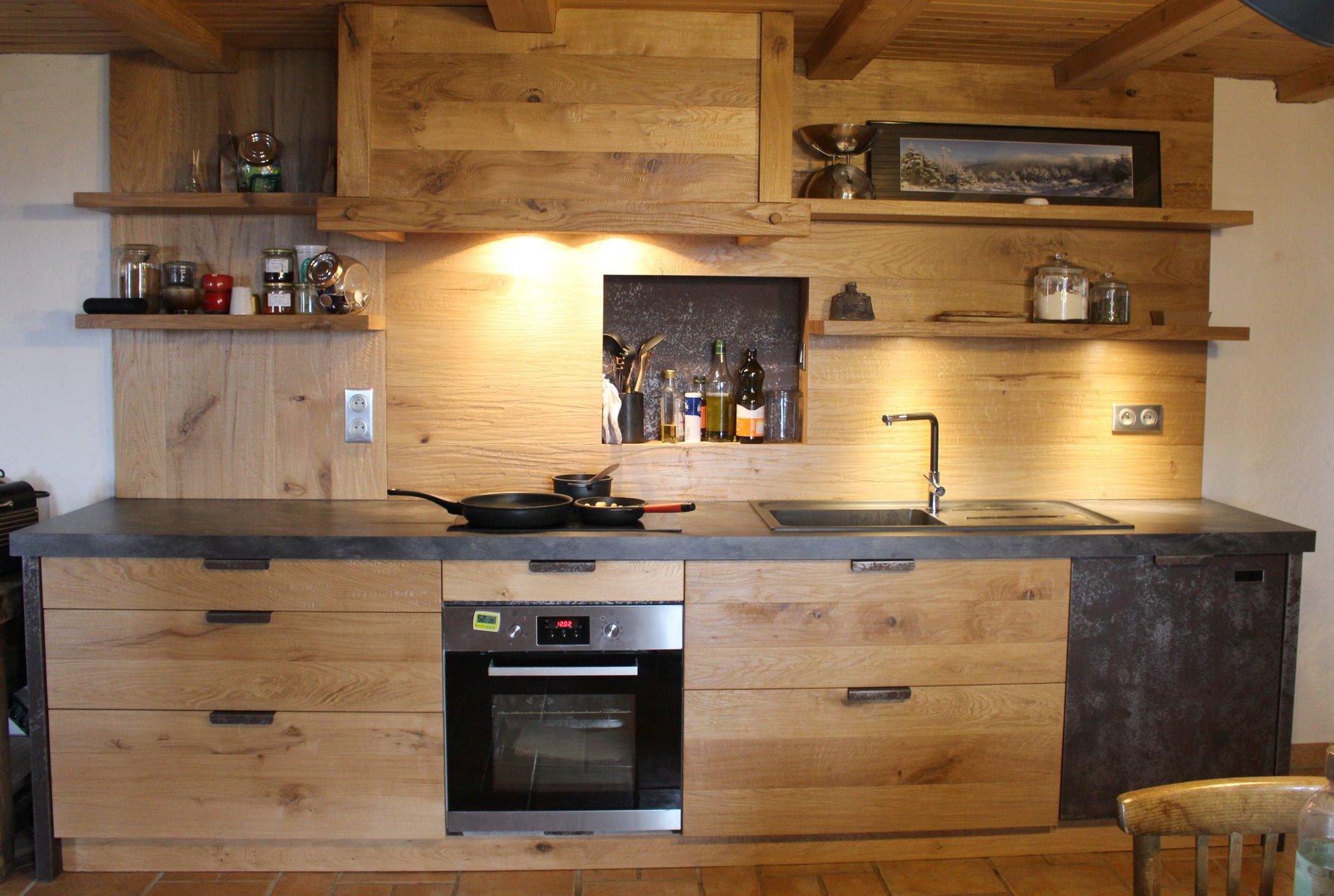 Cuisine en chene noueux et metal menuiserie agencement Meuble de cuisine en bois
