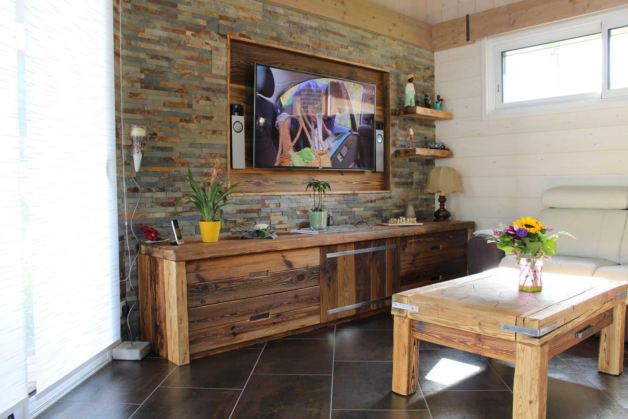 meuble et table vieux bois