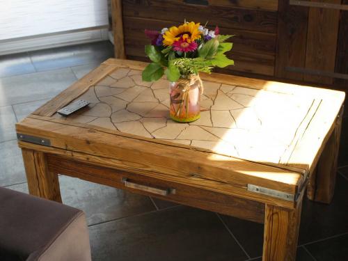 Table basse vieux bois1.jpg