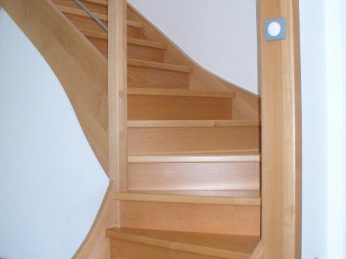 ES004 - Escalier bois et tube
