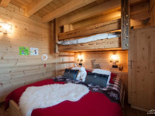 Chambre avec lit suspendu2.jpg