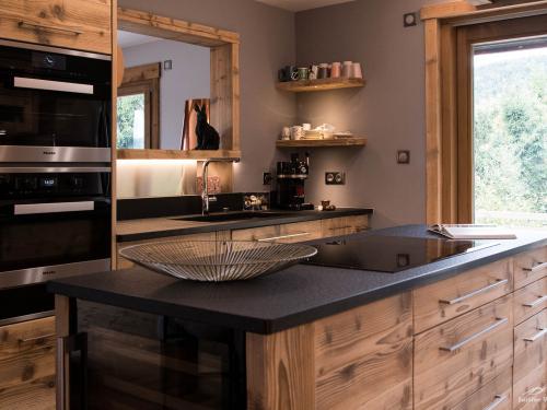 CC038-Cuisine bois grisé et granit