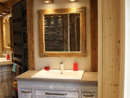 Salle de bain bois clair, pierre noire et céramique1.jpg