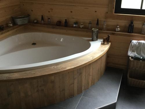 SB040- Habillage et marche de baignoire bois