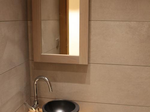 SB042- Lave-main vasque noire à poser