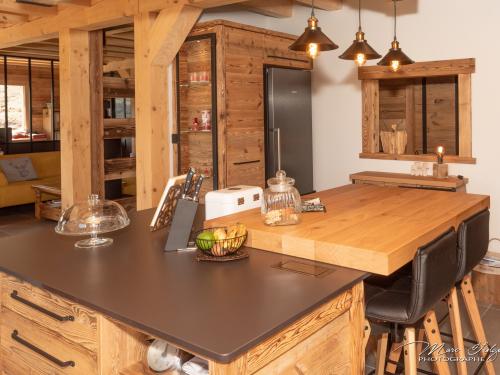 CR011- Cuisine montagne vieux bois et fer