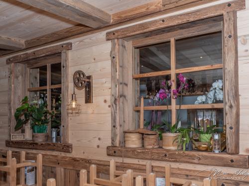 Entourage fenêtre Vieux Bois et lambris sapin