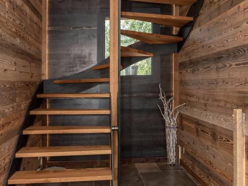 ES024- Escalier en chêne et acier
