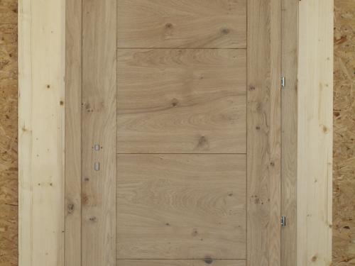 PO042-Porte en chêne blanchi avec montants verticaux et remplissage horizontal