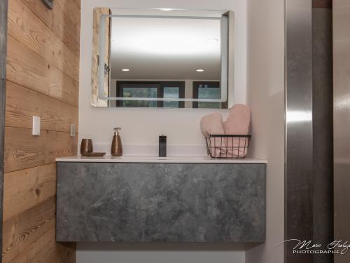 SB049- Meuble de vasque entre mur