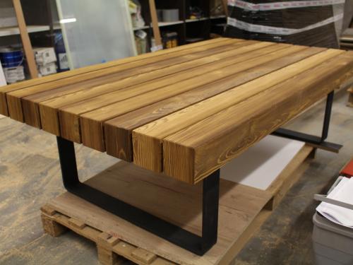 TA035- Table plateau grosse section pieds en acier